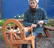 Spinning wool with a wheel